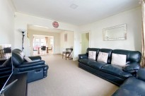 Royal Crescent, Ruislip, HA4