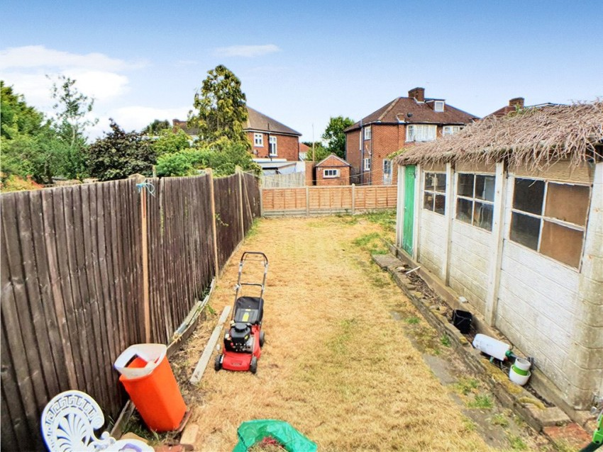 Images for Gyles Park, Stanmore, Middlesex, HA7 EAID:LAW BID:eas1