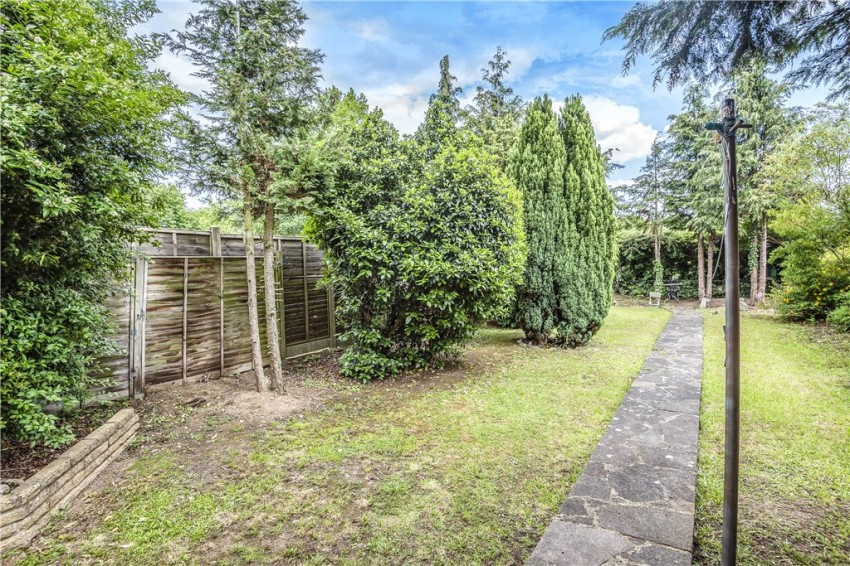 Images for Long Drive, Ruislip, Middlesex, HA4 EAID:LAW BID:rui1
