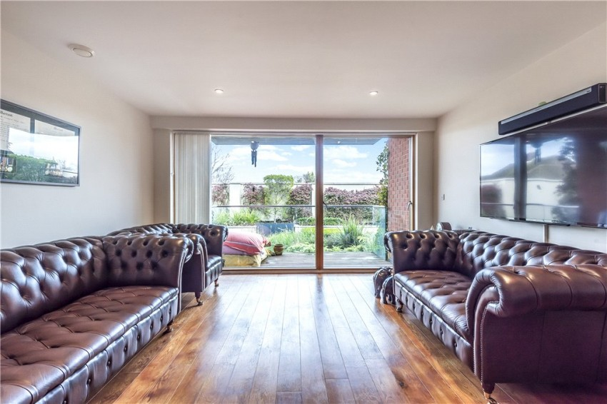 Images for Crown Apartments, 45 Westholme Gardens, Ruislip, Middlesex, HA4 EAID:LAW BID:rui1