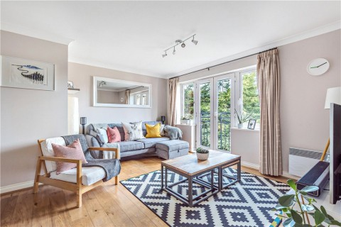 View Full Details for Royal Court, Hume Way, Ruislip, Middlesex, HA4 - EAID:LAW, BID:rui1